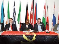 """União dos Escritores Angolanos apresenta obras na Conferência """"O Céu é o Limite"""" em Londres"""