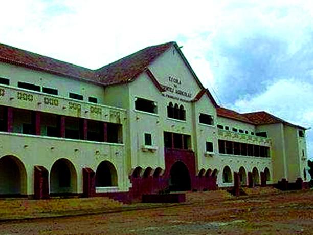 Atribulações do ensino superior em Angola