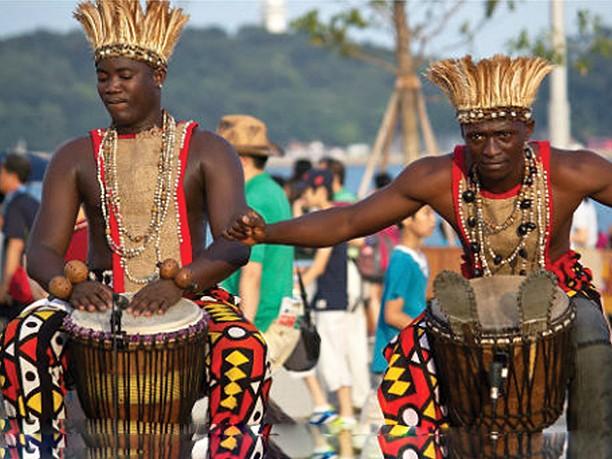 A Cultura Africana nos meandros da modernidade: Que futuros?