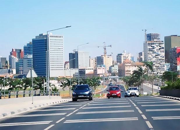 Luanda cidade desclausurada