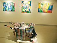 """Pintura de Don Sebas Cassule, """"Cri$e Versus Trabalho"""" no Instituto Camões"""