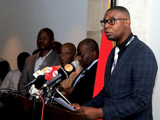 Mensagem de saudação do Secretário-geral da União dos Escritóres Angolanos