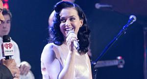 Katy Perry critica nudez por parte de algumas cantoras