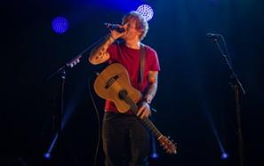 Ed Sheeran está quase a chegar