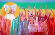 """Sia: """"Together"""" é a alegria colorida que o mundo precisa agora"""