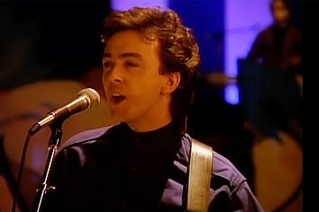Morreu Tony Lewis, vocalista dos Outfield e voz do sucesso