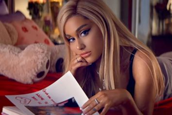 Ariana Grande lança álbum e reage a polémica com atuação cancelada nos Grammys