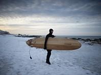 Surf no círculo polar árctico