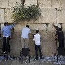 Dia de limpezas em Israel