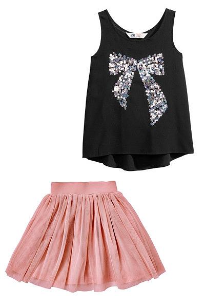 Se gostas mais de usar saia e tops este é o teu look. Top H&M, Saia Vertbaudet.