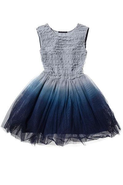 Se a tua cor favorita é azul este vai ser o teu vestido favorito. Vestido Sisley.