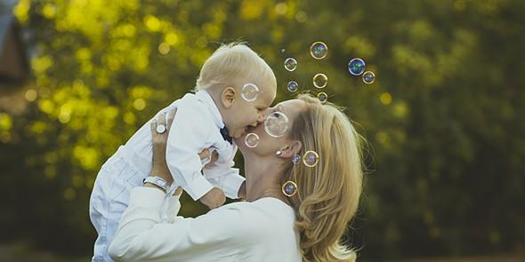 tek mãe e bébé