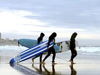 Obra Frei Gil: Alunos fazem batismo de surf