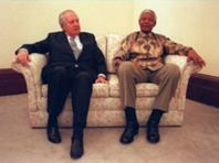 Ao lado de Mandela