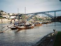 Sem-abrigo retratam cidade do Porto através da fotografia