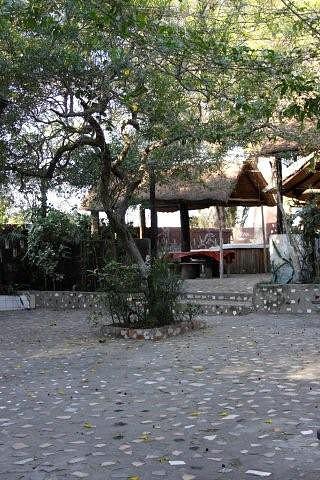 Restaurante simples, mas tem bastante espaço e a comida é óptima. Maputo