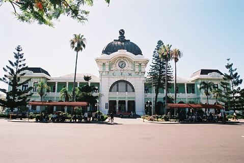Situada na Praça dos Trabalhadores. Foi construída em 1910. Uma das suas atracções é a sua cúpula de bronze.