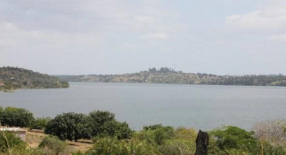 A 270 Km de Maputo, Chidenguele exibe magníficas dunas de areia branca e várias lagoas de água morna.