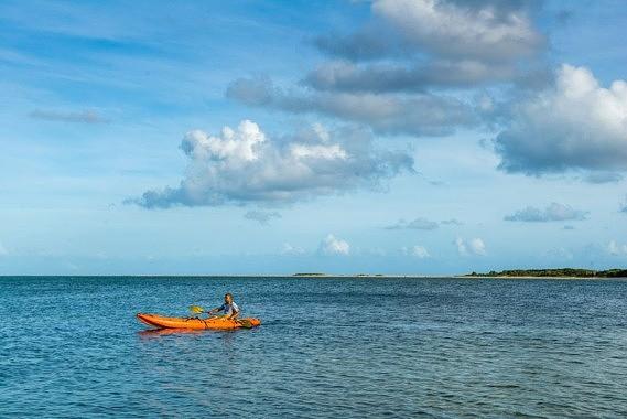Em Bazaruto pode desfrutar do mar tanto a nível lúdico como desportivo