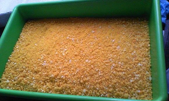 Segundo Ana Carvalho, antes do fabrico os cosméticos, o sal, os frutos e as ervas passam por um processo de desidratação.