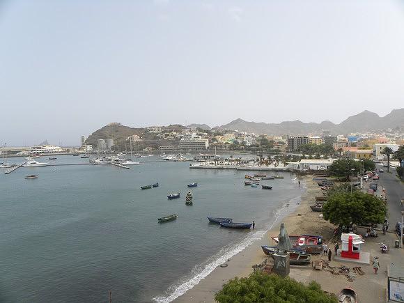 Vista sobre a cidade do Mindelo
