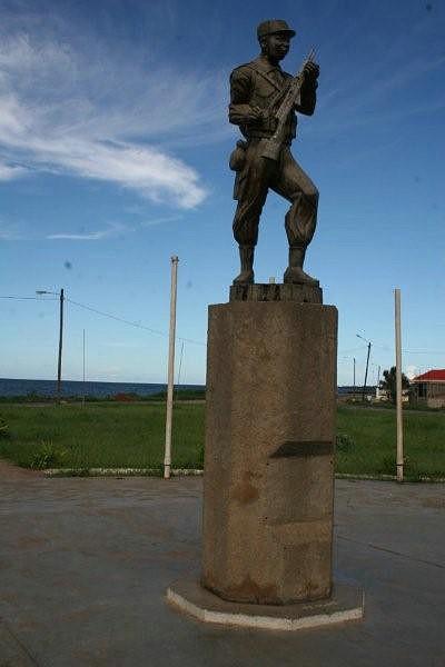Estátua de Paulo Samuel C.