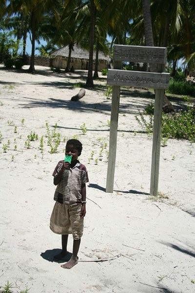 Criança da aldeia de Missamola