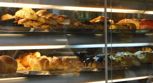 Variedade de bolos que o novo Continental tem para lhe oferecer.