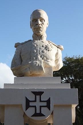 Estátua de Alexandre Albuquerque