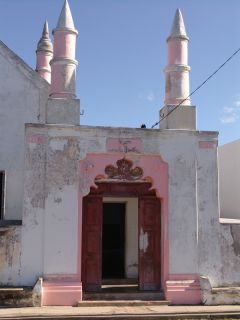 Mesquita Velha, construída em meados de séc. XIX.