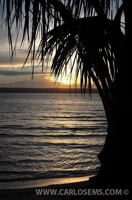 O pôr-do-sol em Pomene. Foto Carlo Martins