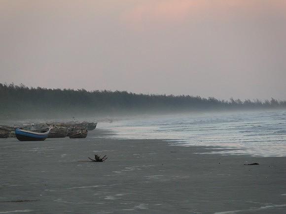 Valdemiro José lembra que a Praia da Zalala é uma das coisas das quais sente mais falta desde que saiu da sua terra natal