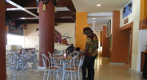 No interior, um espaço amplo. Maputo. Foto: Marta Curto. Mais info: http://viajar.sapo.mz