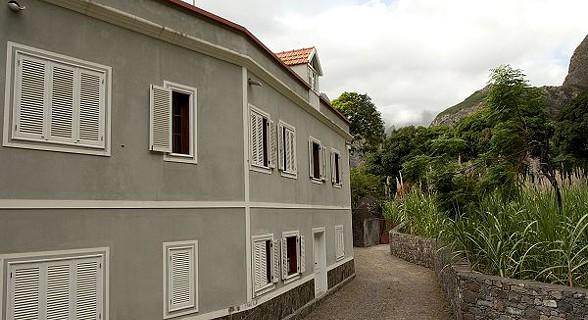 Situada na zona de Eito, Paul, na ilha de Santo Antão, a Guesthouse Wahnon é uma casa em estilo colonial.