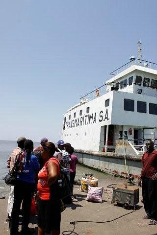 Do outro lado da Baía de Maputo