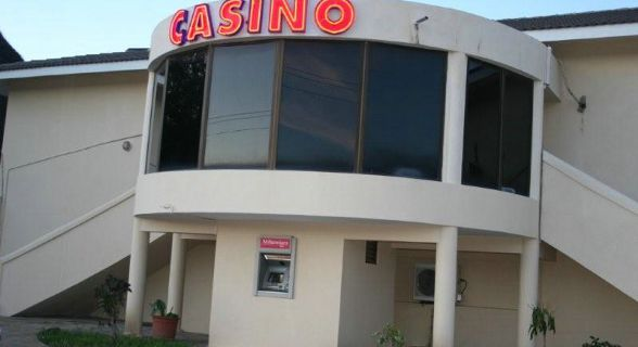 Casino de Pemba na praia do Wimbi
