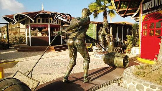 Escultura que retrata a nossa história
