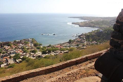 A fortaleza Real de São Filipe ergue-se com vista para a Cidade Velha.