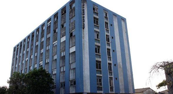 Hotel D. Carlos - está em ruinas.