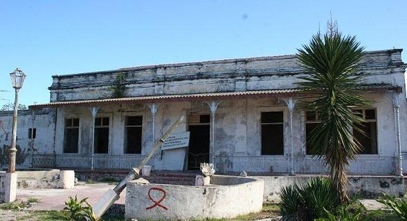 Alguns edifícios por restaurar