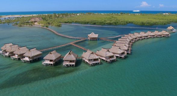 Flamingo Bay Water Lodge