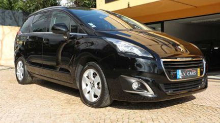 Peugeot 5008 1.6 HDI Allure Cx Auto, GPS. T. Panorâmico. 7 LUG. Só 54300 Km. Nacional