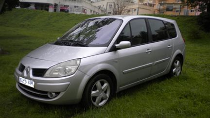 Renault Grand Scénic 1.5 dCi Luxe 5L. (105cv) (5p)
