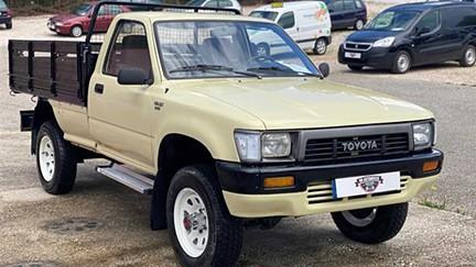 Toyota Hilux 2.4 D LN105L Cx Madeira (83cv) (2p)