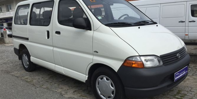 Toyota Hiace 2.5 D-4D C. Service 2.6T (102cv) (4p)