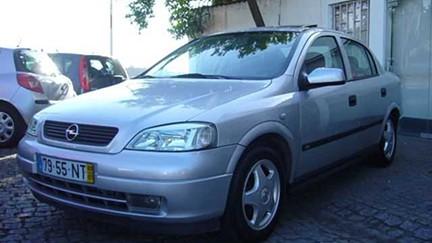 Opel Astra 1.7 DTi Club (75cv) (4p)