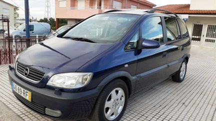 Opel Zafira 1.6 Elegance (100cv) (5p)