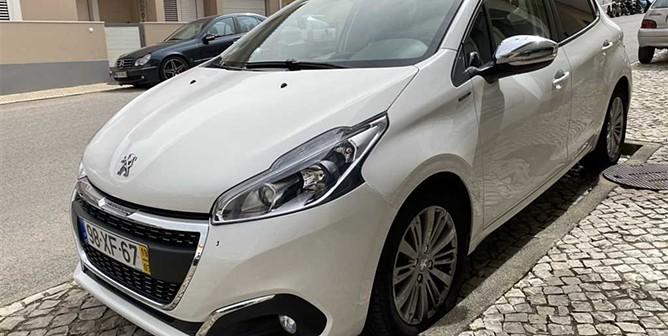Peugeot 208 1.5 B-HDI Signature (100 CV) (5P)
